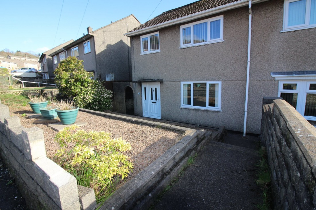 View Full Details for Elm Drive Ty Sign, Risca, Newport - EAID:freelancer, BID:0004-0ac8-83a7-b613